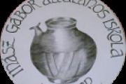 Iskolán logója